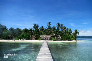 Barefoot conservation accommodation at Raja Ampat project site