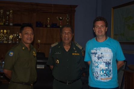 Barefoot Conservation meets the mayor of Raja Ampat